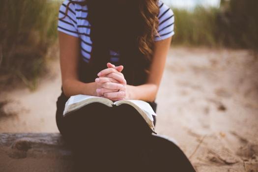 prayer woman